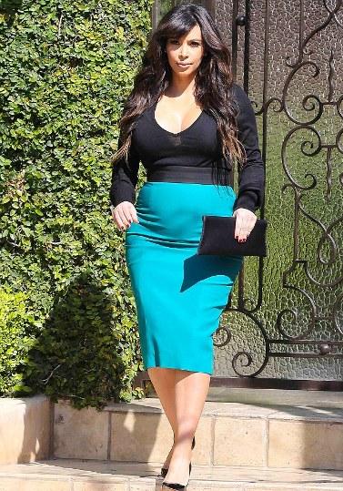 kim in revealing pencil skirt-showbizbites