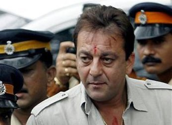 sanjay-dutt-arrested-showbizbites-01