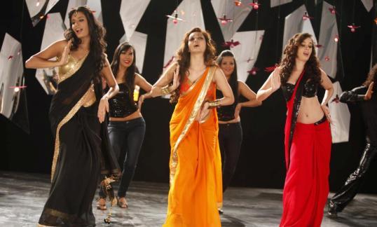 dhakdhak-nautankisaala-showbizbites