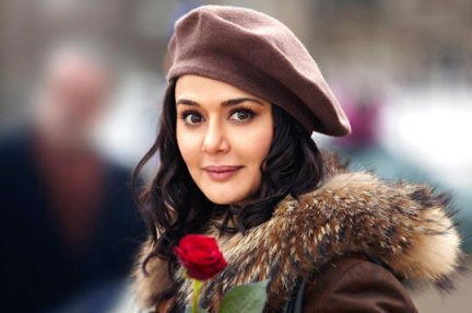 preity-ishkq in paris-showbizbites