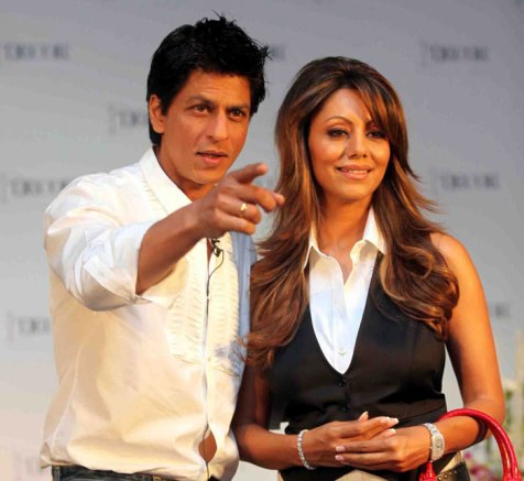 SRK and Gauri-01-Showbizbites