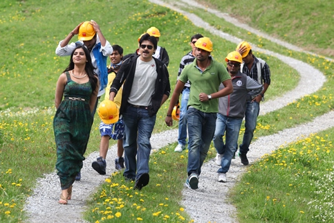 attarintiki-daredi-workingstill-showbizbites