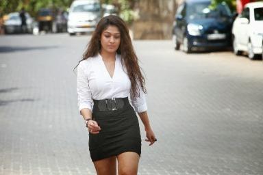 nayantara-aarambam-showbiznites-01