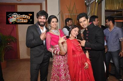Ravi Dubey Sargun'a Reception Paty-05