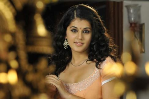 taapsee in arrambam-showbizbites