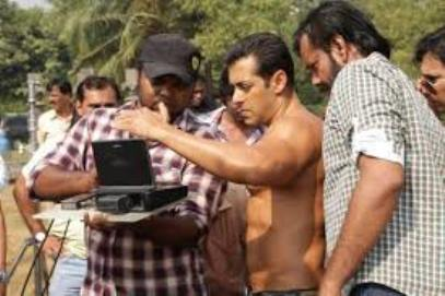 Salman on Jai Ho Sets-showbizbites