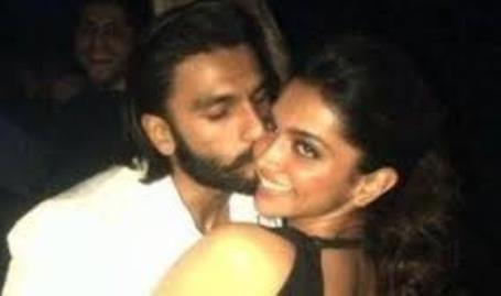 ranveer kissing deep in public-showbizbites-01