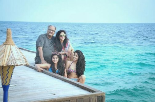 sri devi with daughters in bikini-showbizbites-01