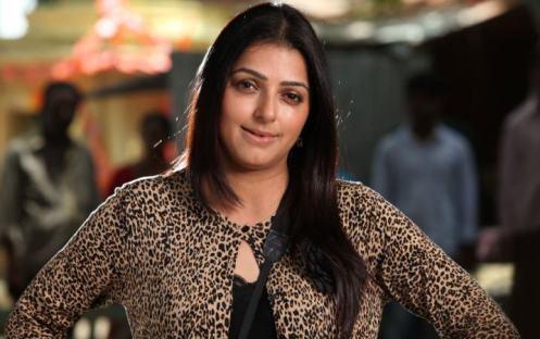 bhumika chawala-showbizbites