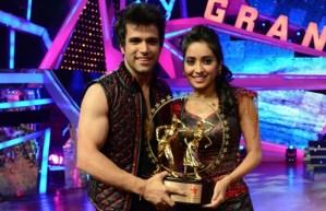 Rithvik Dhanjani and Asha Negi  Win Nach Baliye 6 Trophy