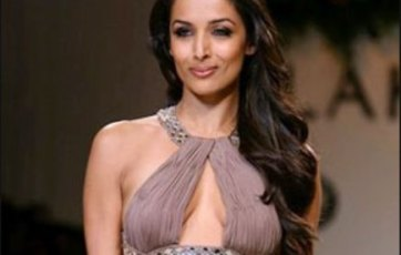malaika arora-hot-showbizbites-12