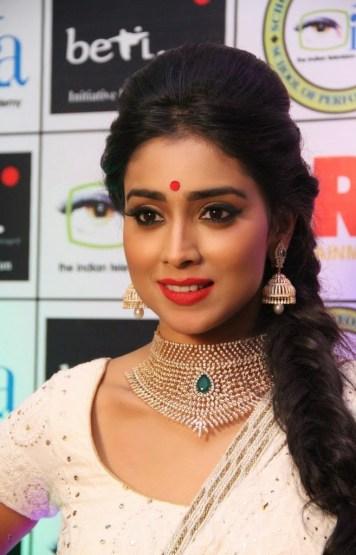 shreya at GR8 Women Awards-showbizbites-04