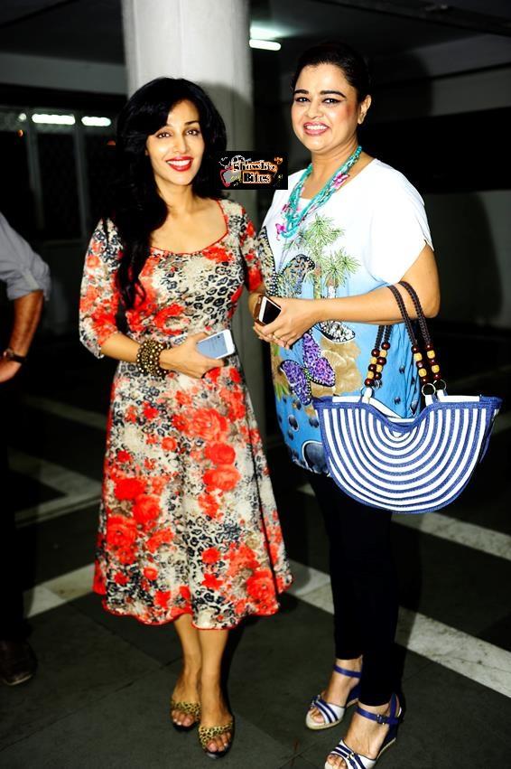 Flora Saini And Gulfam Khan