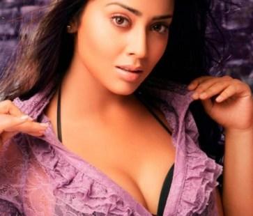 shriya saran hot-showbizbites-01