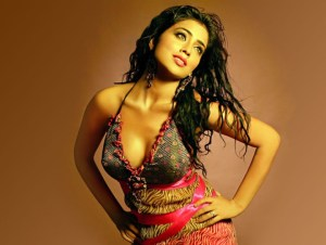 Shriya Saran Hottest Pictures Ever – Must-Seen