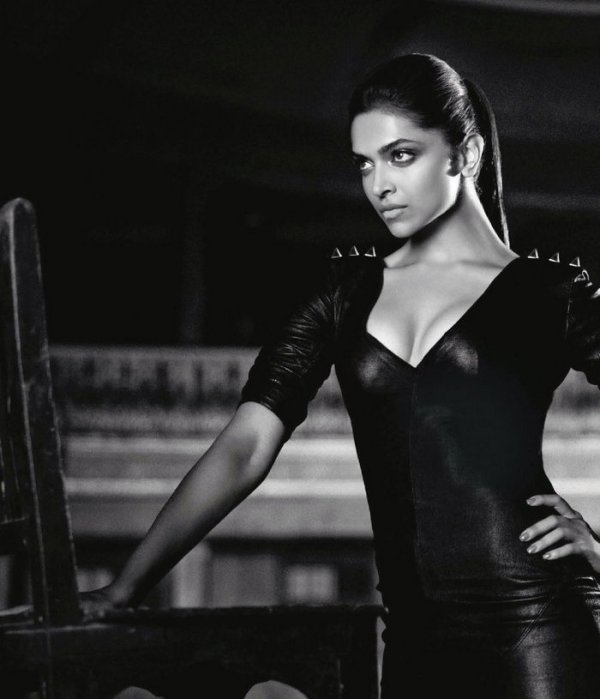 deepika hot pictures-showbizbites-04