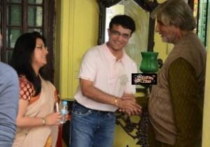 Sourav Ganguly and Wife Meet Amitabh Bachchan on Piku Sets in Kolkata