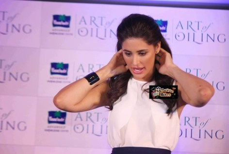 Nargis at Prarachute Event-showbizbites-03