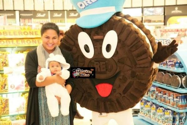 Veena launches charity-showbizbites-08