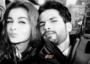 Selfie Wave Takes Over Bollywood, Check Out Celebs with Their Selfies