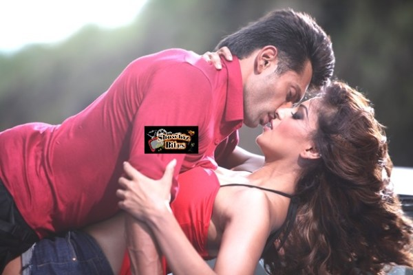 Bips and Karan-ALONE-showbizbites-01 (2)