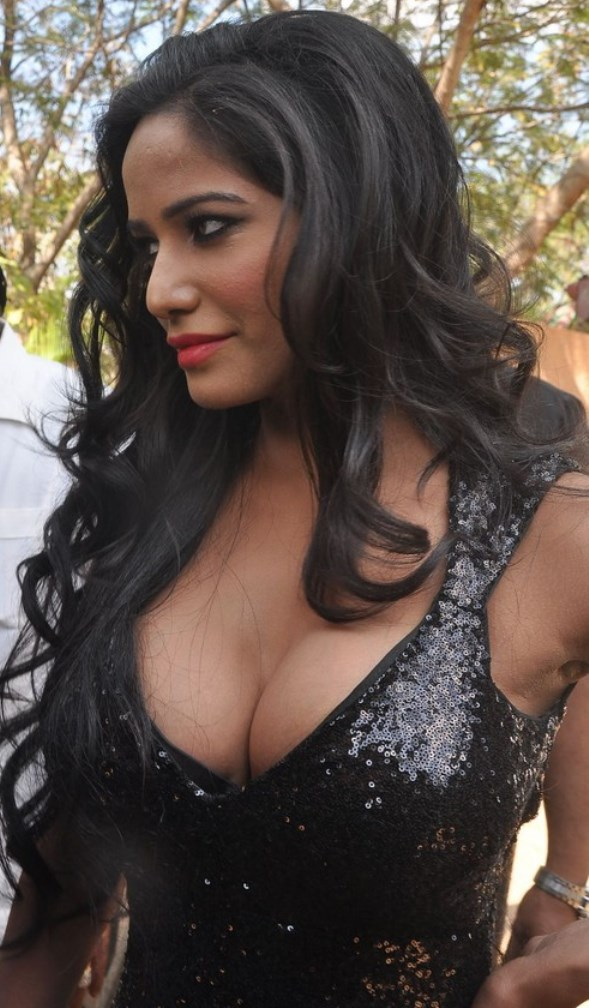 Poonam Pandey Hot-showbizbites-04