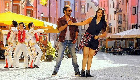 sonakshi-action-showbizbites-01