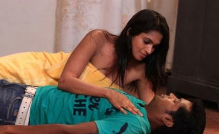 sowdharya-hot-showbizbites-07