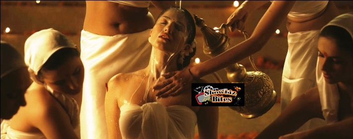 PIX: Sunny Leone Takes Bath with 100 Liters of Milk…Why