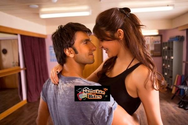 Hot Kiss Scene in Dil Dhakane Do-02