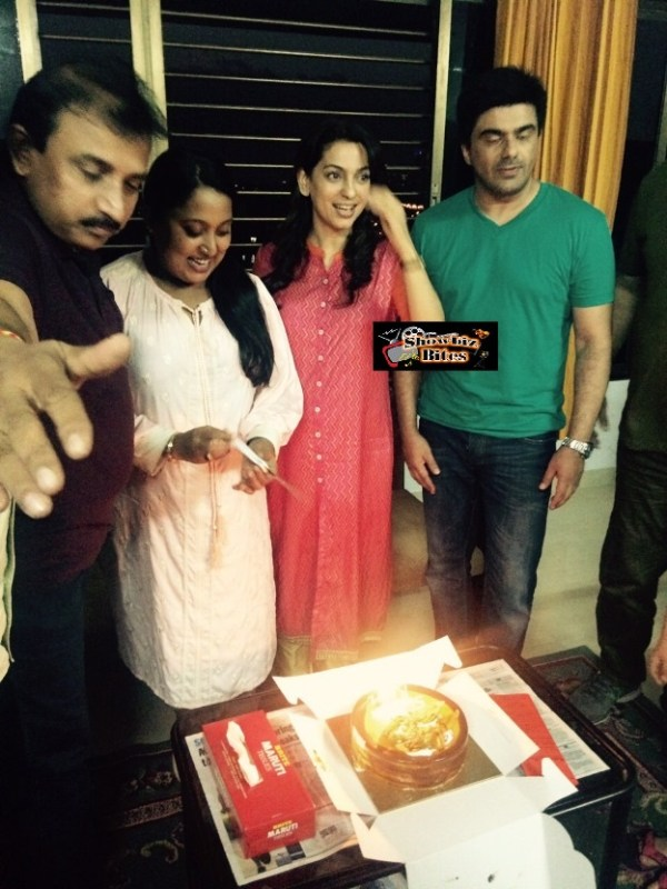 Juhi Chawala Celebrates Shabina Khan's Birthday-03