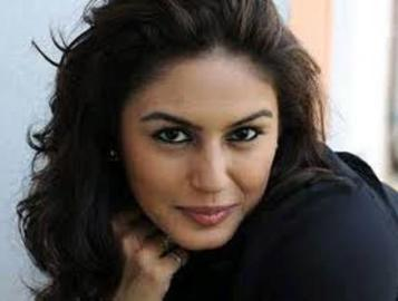 Huma Qureshi-01