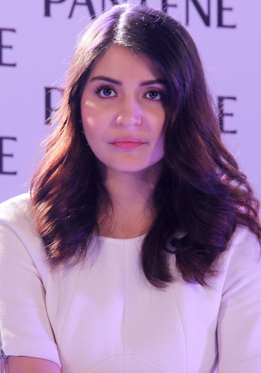 anushka sharma at pantene product launch-04