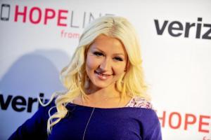 OMG! Christina Aguilera – Too Big for Sex