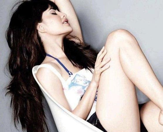 jacqueline Fernandez thighs
