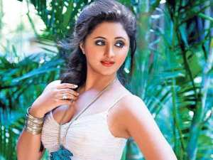What Rashmi Desai's Gujrati Debut Film Superstar is All About