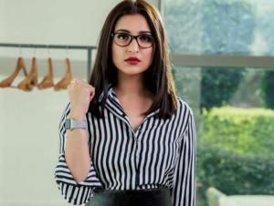 Parineeti Chopra's corporate look in Sandeep Aur Pink Faraar starts getting applauded