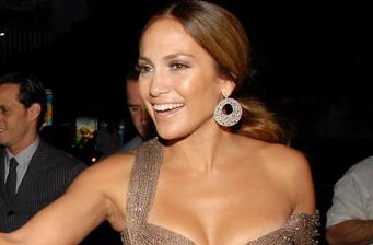 """Jennifer Lopez back at work in """"The Back-Up Plan"""""""