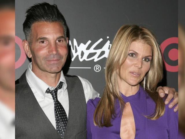 Convicted Criminals Lori Loughlin & Mossimo Giannulli Are Headed To Mexico After Judge Signs Off On Family Trip Following College Admissions Scandal