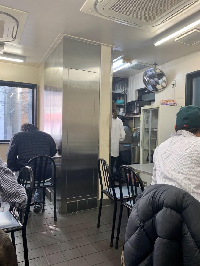 渋谷「喜楽」の内観