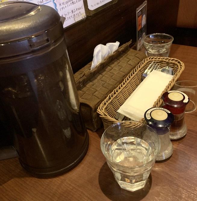 シャンティ(SHANTi)渋谷店のテーブル上にあるもの