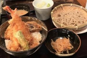 渋谷の道玄坂にある「権八」の天丼の蕎麦つき1