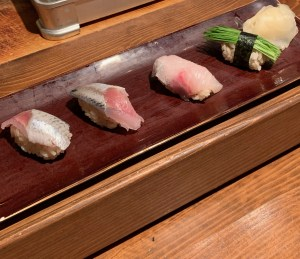 恵比寿にある寿司居酒屋「あげまき」の握り寿司