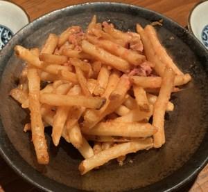 恵比寿にある寿司居酒屋「あげまき」の塩辛バターフライドポテト