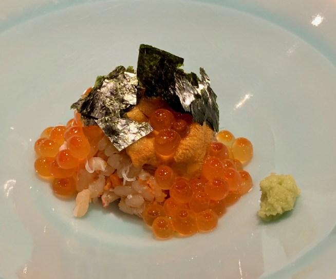 富山「鮨人 (すしじん)」香箱ガニと紅ズワイガニとウニとイクラの寿司