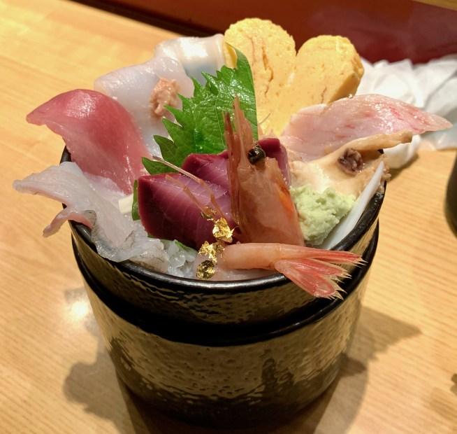 金沢「いきいき亭」の海鮮丼1