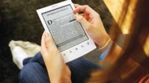 Vendas de e-readers despencam 10