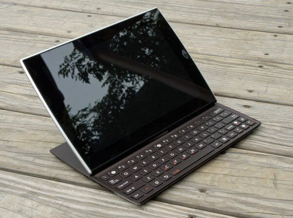 Asus eee pad slider 600x447 - Tablets: Asus Eee Pad Slider chega ao Brasil