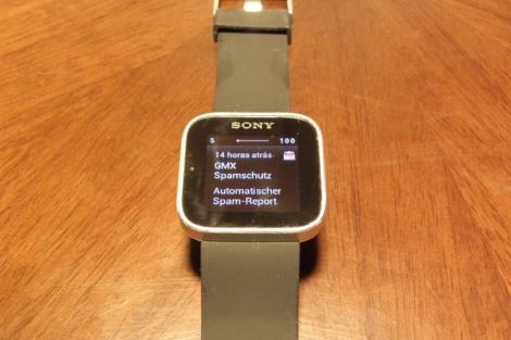 P3240260a - Review: Sony Smartwatch