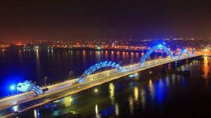 dragon bridge 6 - Vietnam tem uma ponte em forma de dragão que cospe fogo